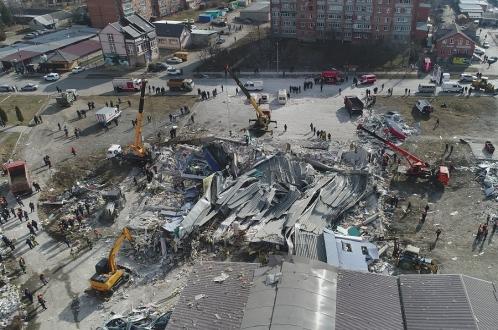 «Хлопок» разрушил трехэтажный торговый центр