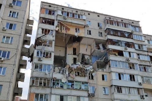 Мощный взрыв в Киеве. Разрушены 5 этажей