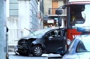Италия: автомобиль въехал в рождественскую ярмарку