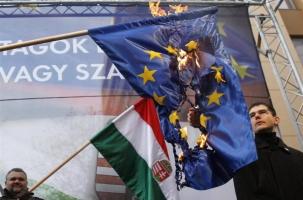 США «воспитывают» непослушных в Европе
