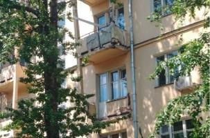 В центре Москвы обрушился балкон жилого дома, или Когда придут к ровеснику революций