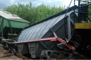 Поезд с цементом провалился